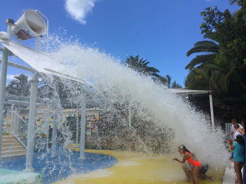 photo - turtle beach resort gold coast tipping bucket splash pad