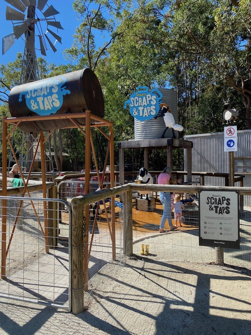 scraps and traps water play area at paradise country