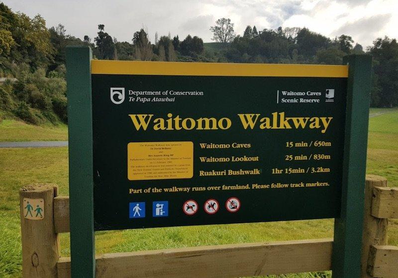 waitomo walkway lookout sign pic by raghav abbhi