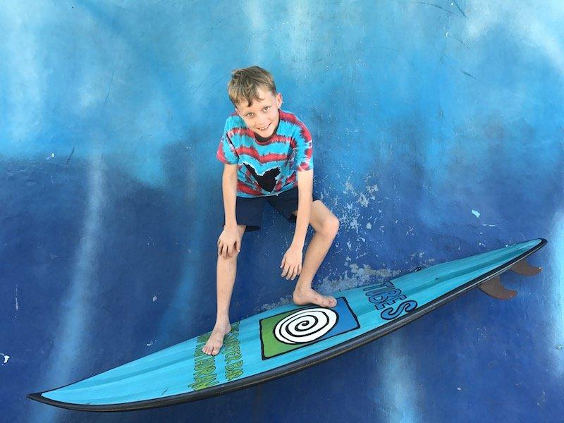 Image- Tubes bali Restaurant surfer wave 800