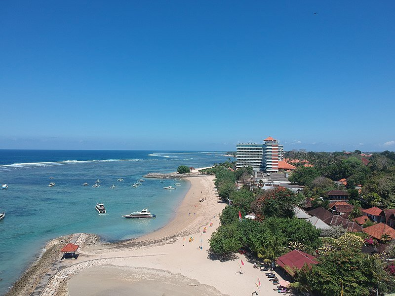image - 800px-Sanur_Beach,_Bali_2017-08-21 wikipedia