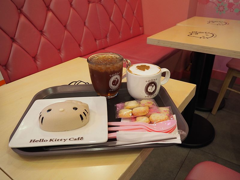 image - Hello_Kitty_Cafe_(22141113233)