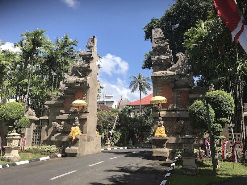 image - bali dynasty resort road entrance
