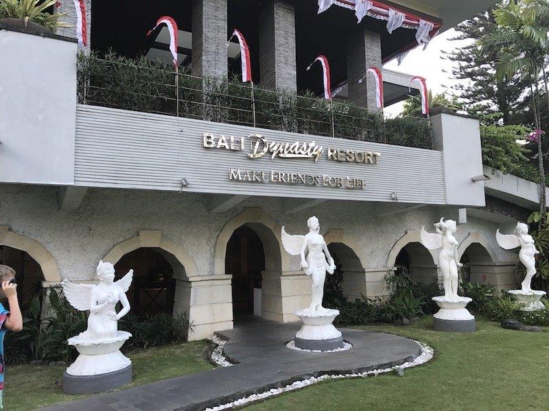 image - bali dynasty statues