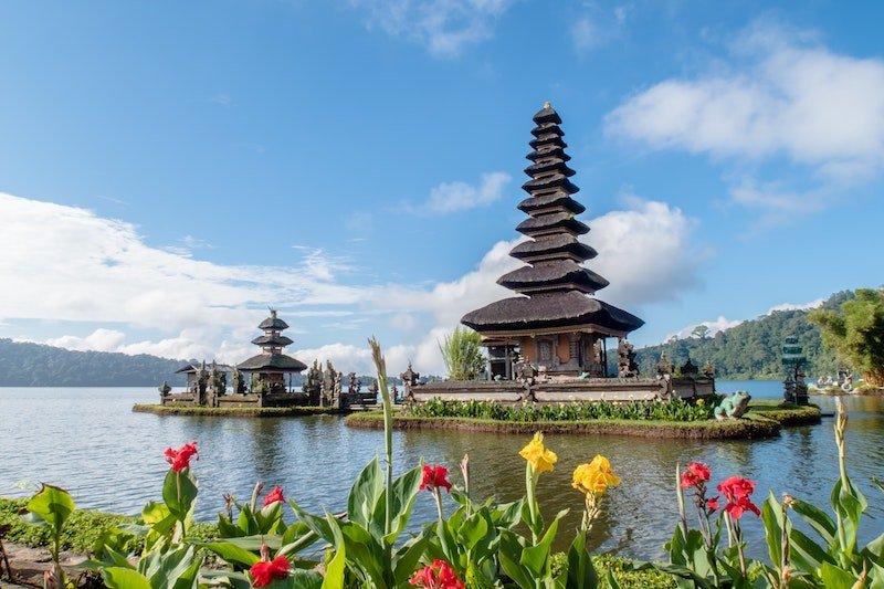 image - bali pagoda by sebastian-pena-lambarri-U_i6h9Y50wQ-unsplash