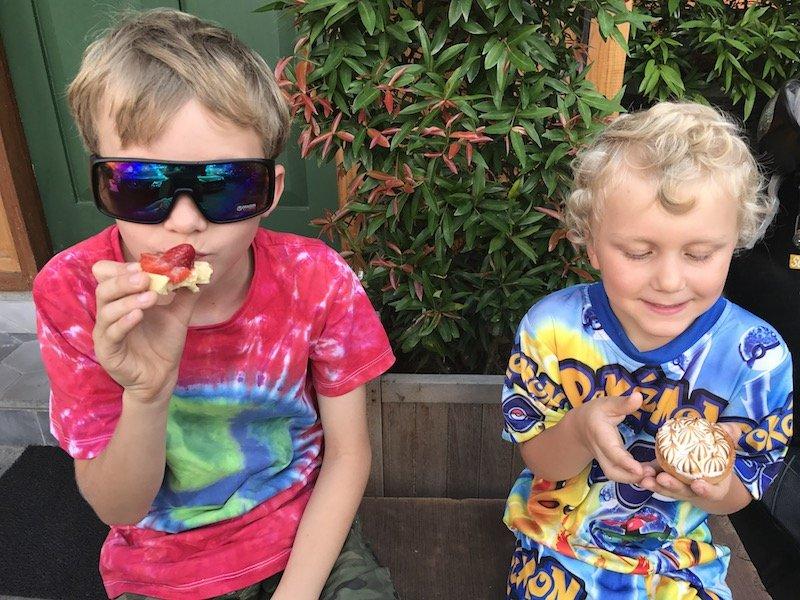 image - eating at monsieur spoon bali