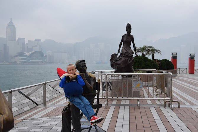 image - hong kong avenue of stars ned sitting on statue