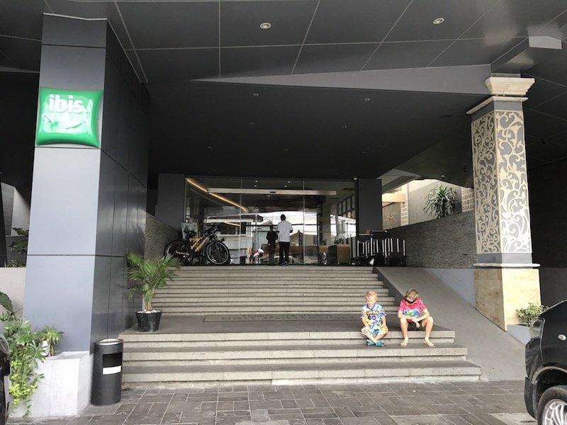 image - ibis seminyak hotel bali exterior