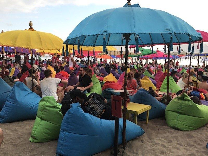 image - la plancha bali restaurant beanbags & umbrellas 800