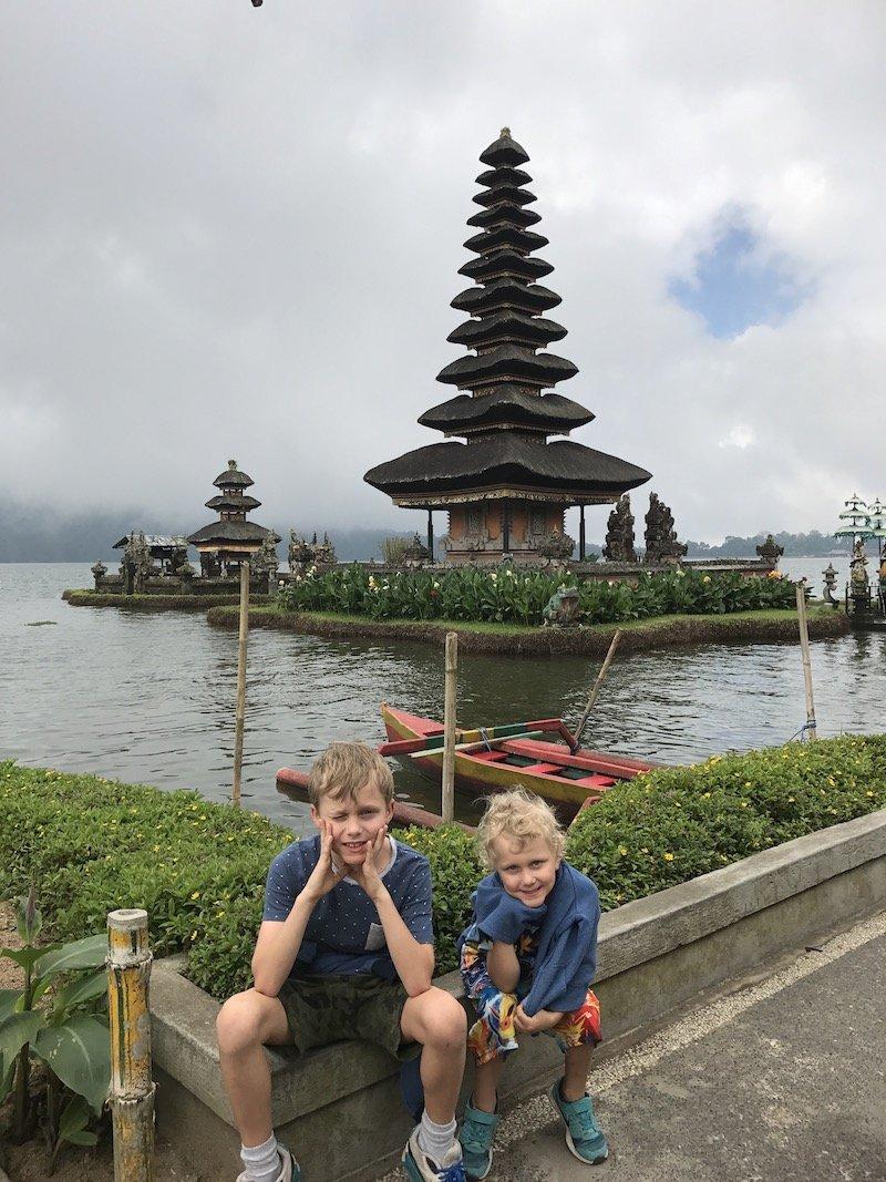 image - lake bratan ulun danu temple