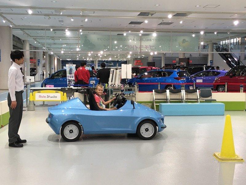 image - mega web car ride for kids odaiba 800