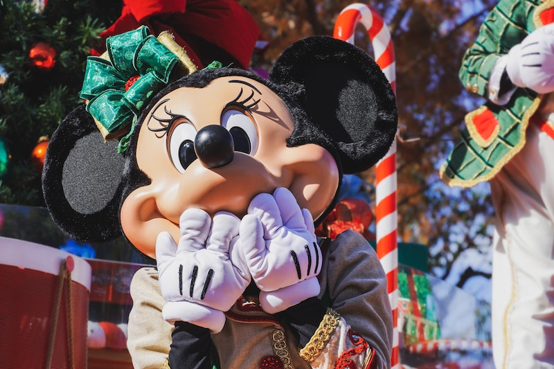 image - minnie mouse blowing a kiss by adrian-valverde