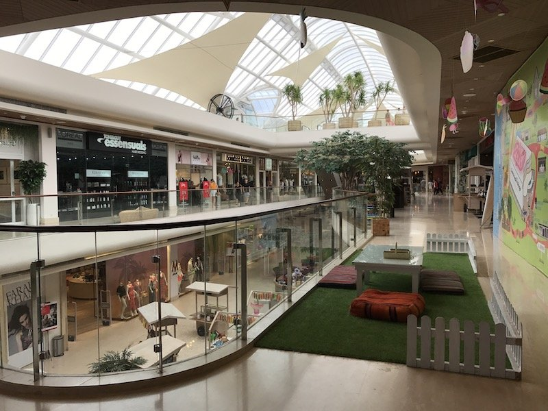 image - seminyak village shopping centre interior