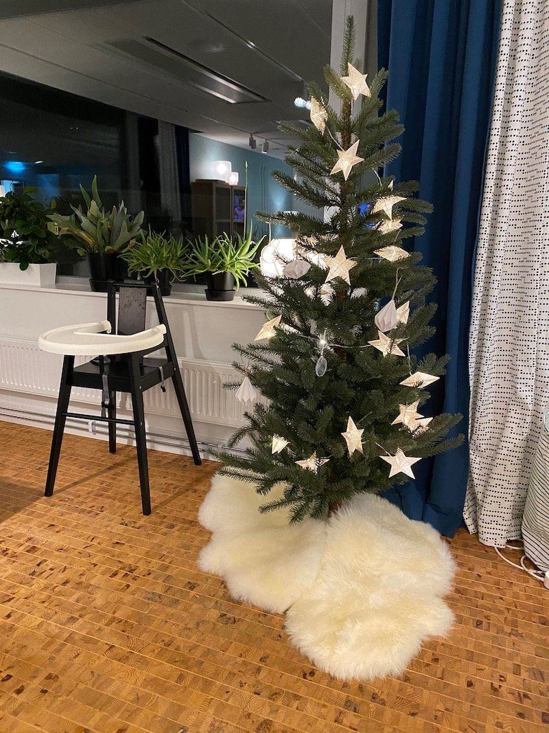 image - ikea hotel christmas tree in living room set up