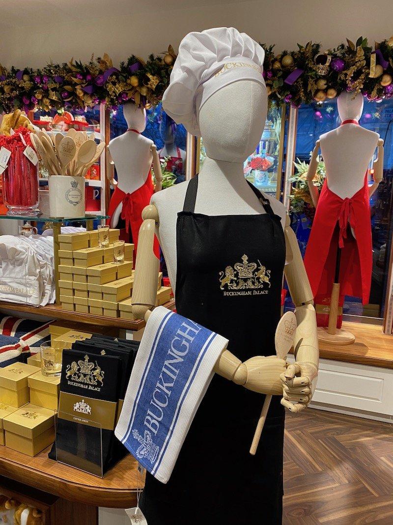 image - buckingham palace apron