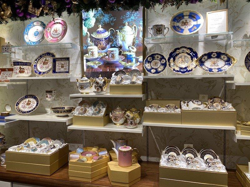 image - buckingham palace rockingham plate collection