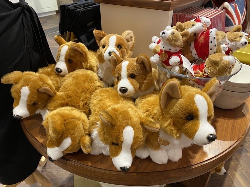 image - buckingham palace shop corgi toys