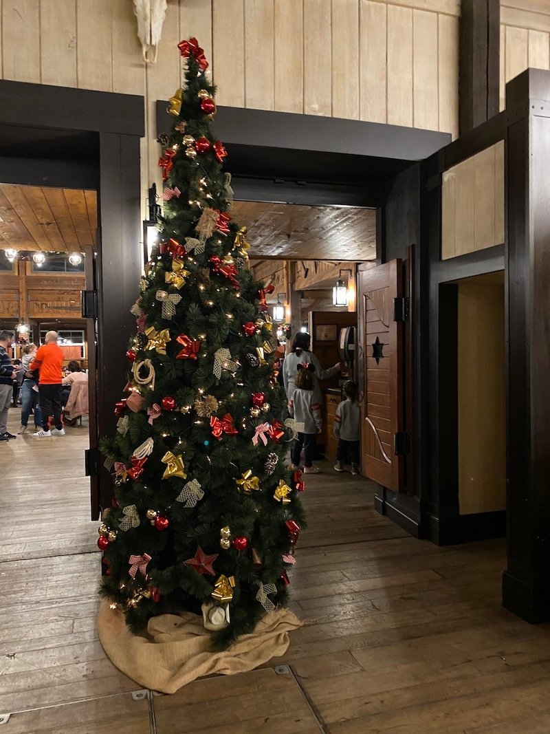 image - chuck wagon cafe christmas tree