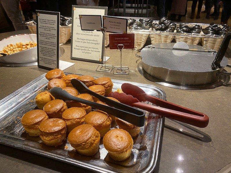 image - chuck wagon cafe disneyland paris cornbread