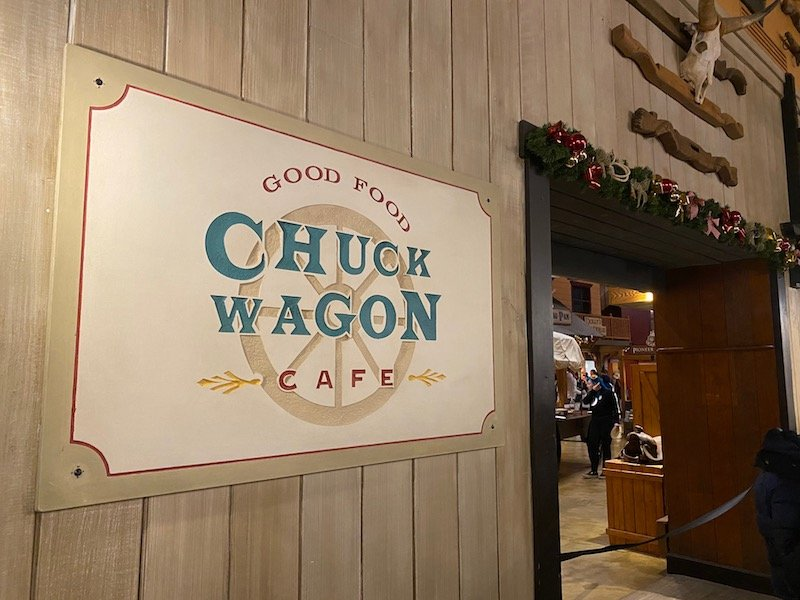 image - chuck wagon cafe disneyland paris sign