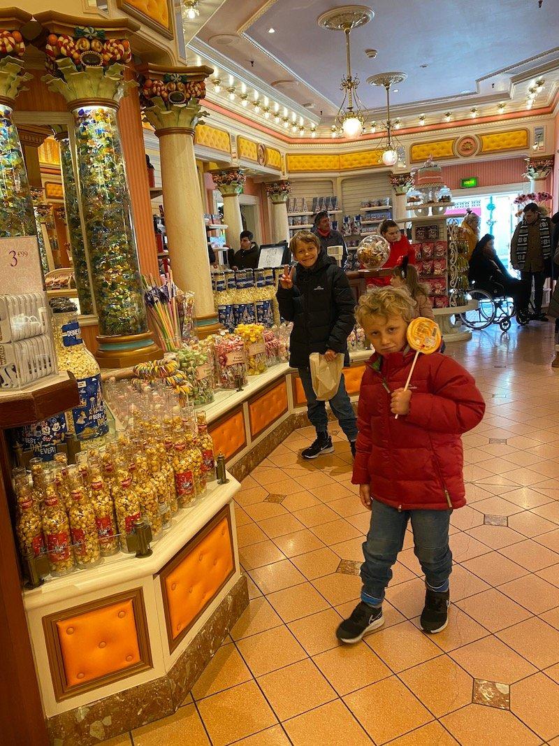 image - boardwalk candy palace disneyland paris disney food gifts for kids
