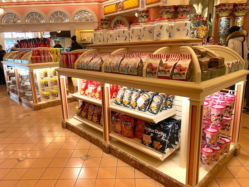 image - boardwalk candy palace disneyland paris food gifts for adults