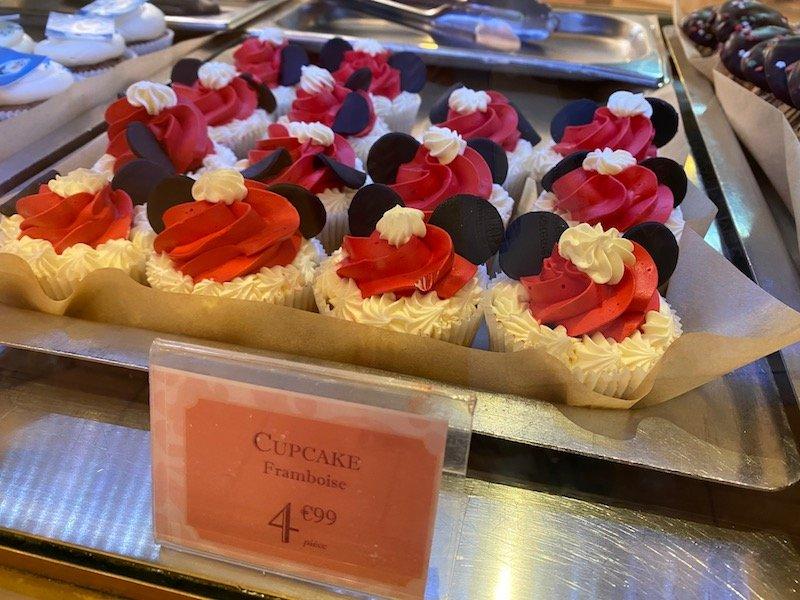 image - disneyland paris minnie mouse cupcake