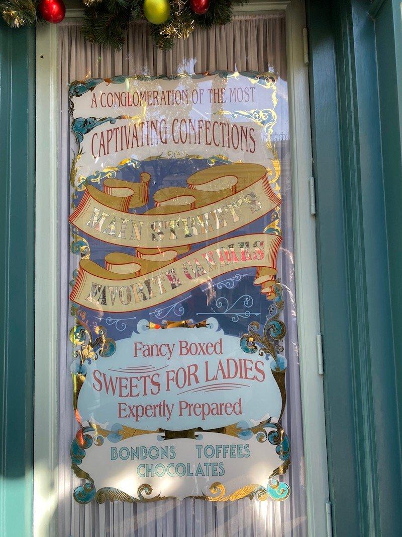image - boardwalk candy palace disneyland paris signage