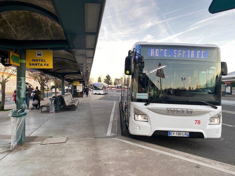 image - disney santa fe hotel shuttle buses