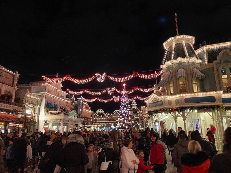 image - disneyland paris christmas fireworks