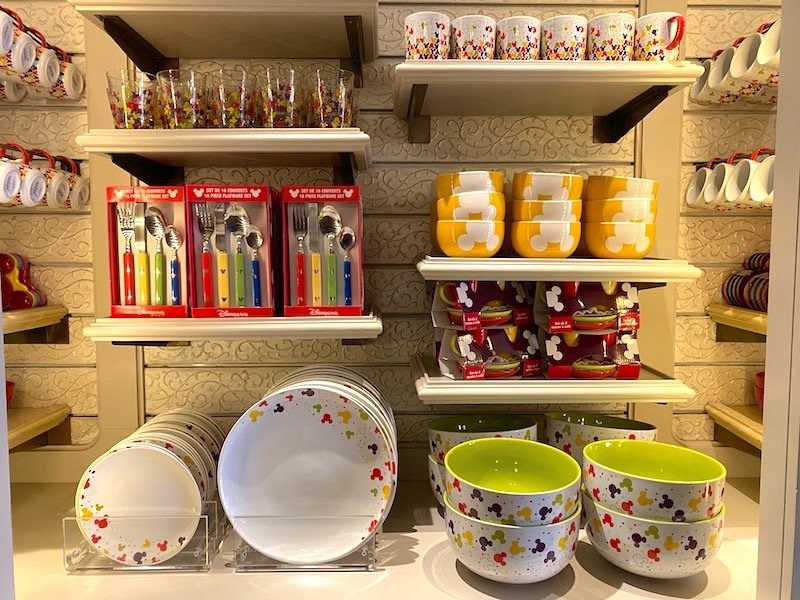 image - disneyland paris lilly's boutique mickey mouse tableware