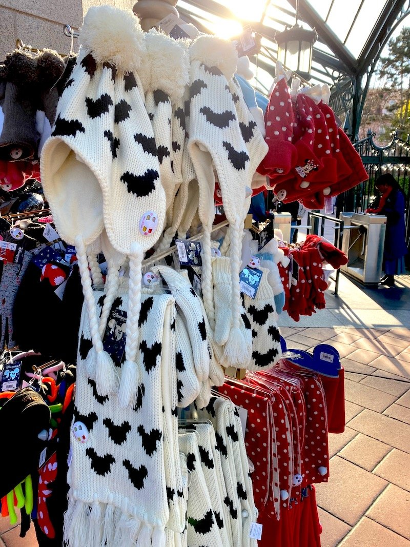 image - disneyland paris mickey mouse scarves and beanies 800
