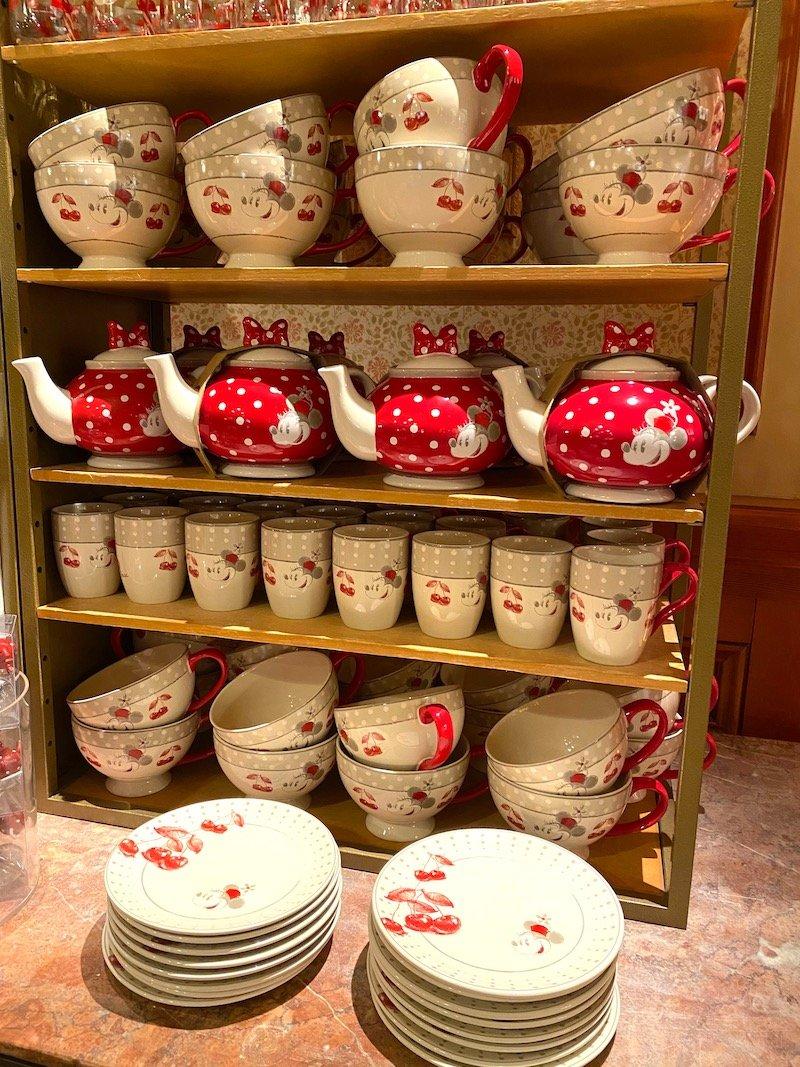 image - disneyland paris teapots 800