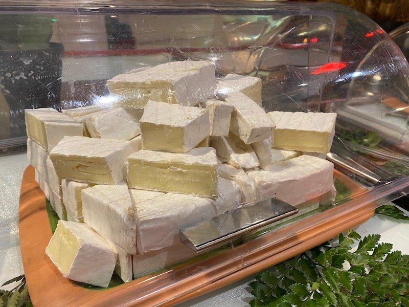 image -la cantina disneyland paris cheese