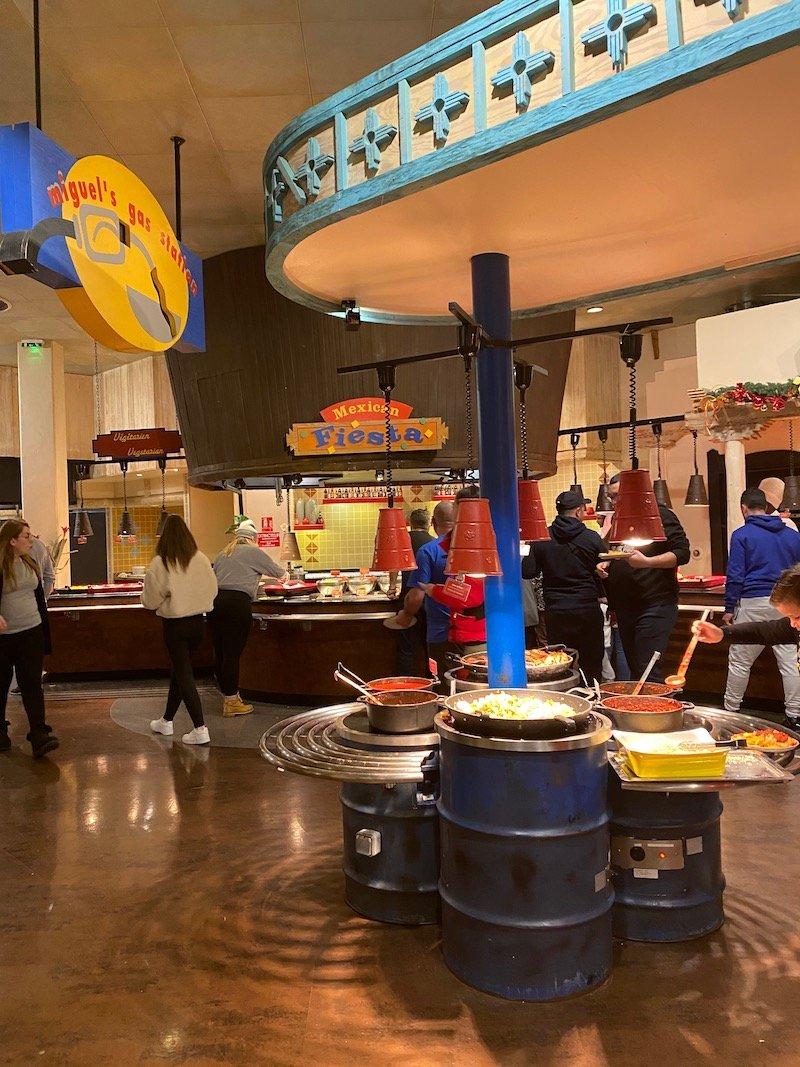 image -la cantina disneyland paris food buffet