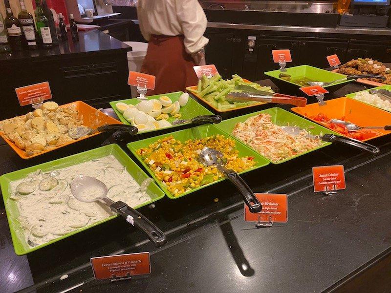 image -la cantina disneyland paris salad bar