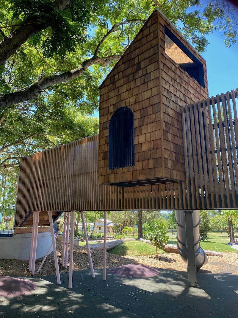 image - summerland house farm playground fort