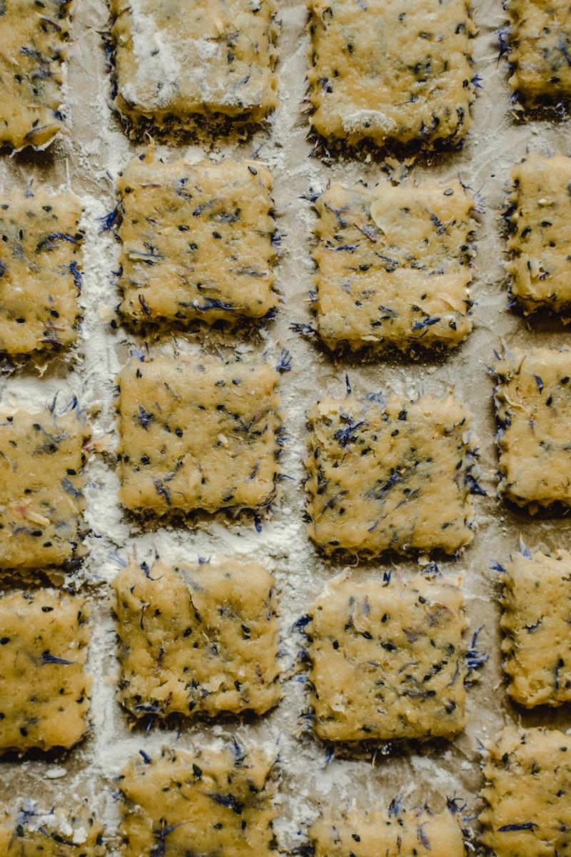 image - edible flower biscuits by pexels-eva-elijas-5735116