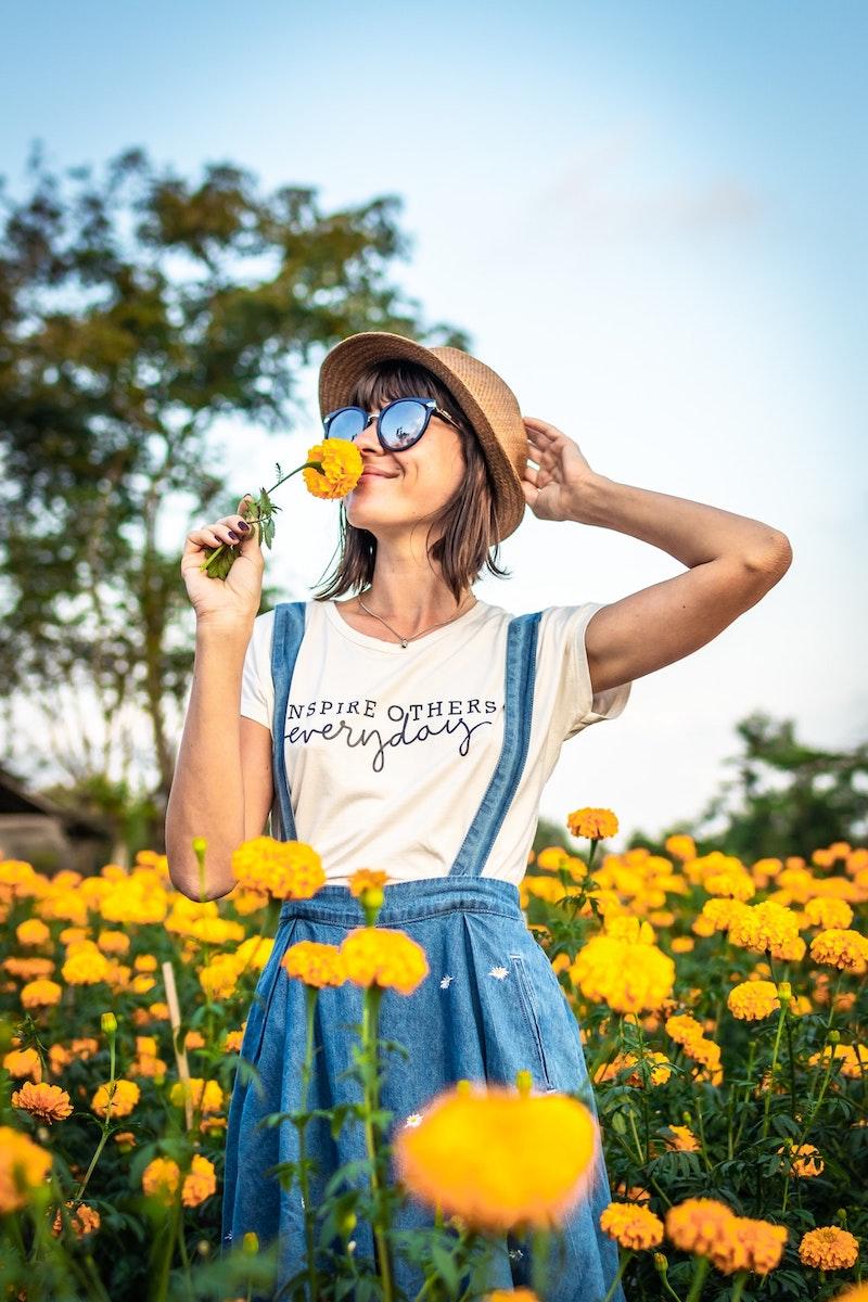 image - marigolds by pexels-artem-beliaikin