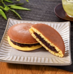 image - family mart dorayaki pancakes