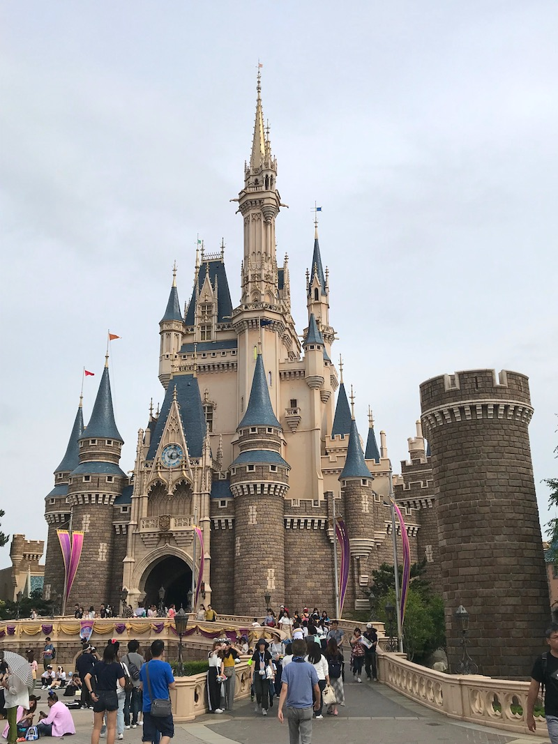 image - tokyo disneyland castle 800