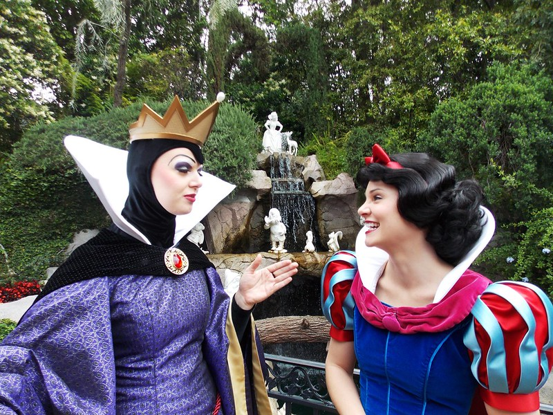 image - snow white and the queen by jennie park mydisneyadventures